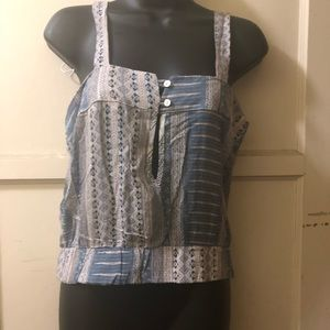 Tops - Blouse with bottoms in the back